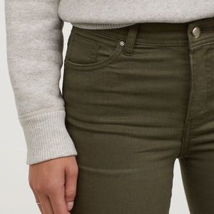 H&M Divided olive green pants size 6